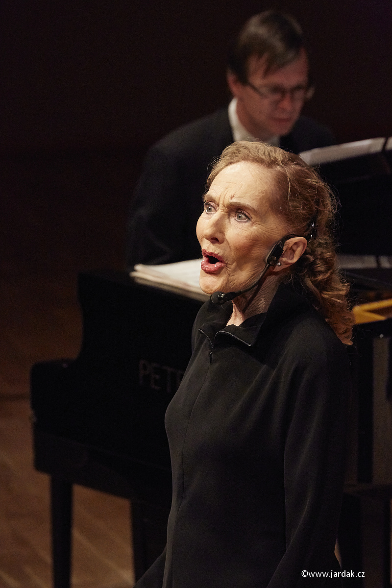 Filharmonie – paní Soňa Červená